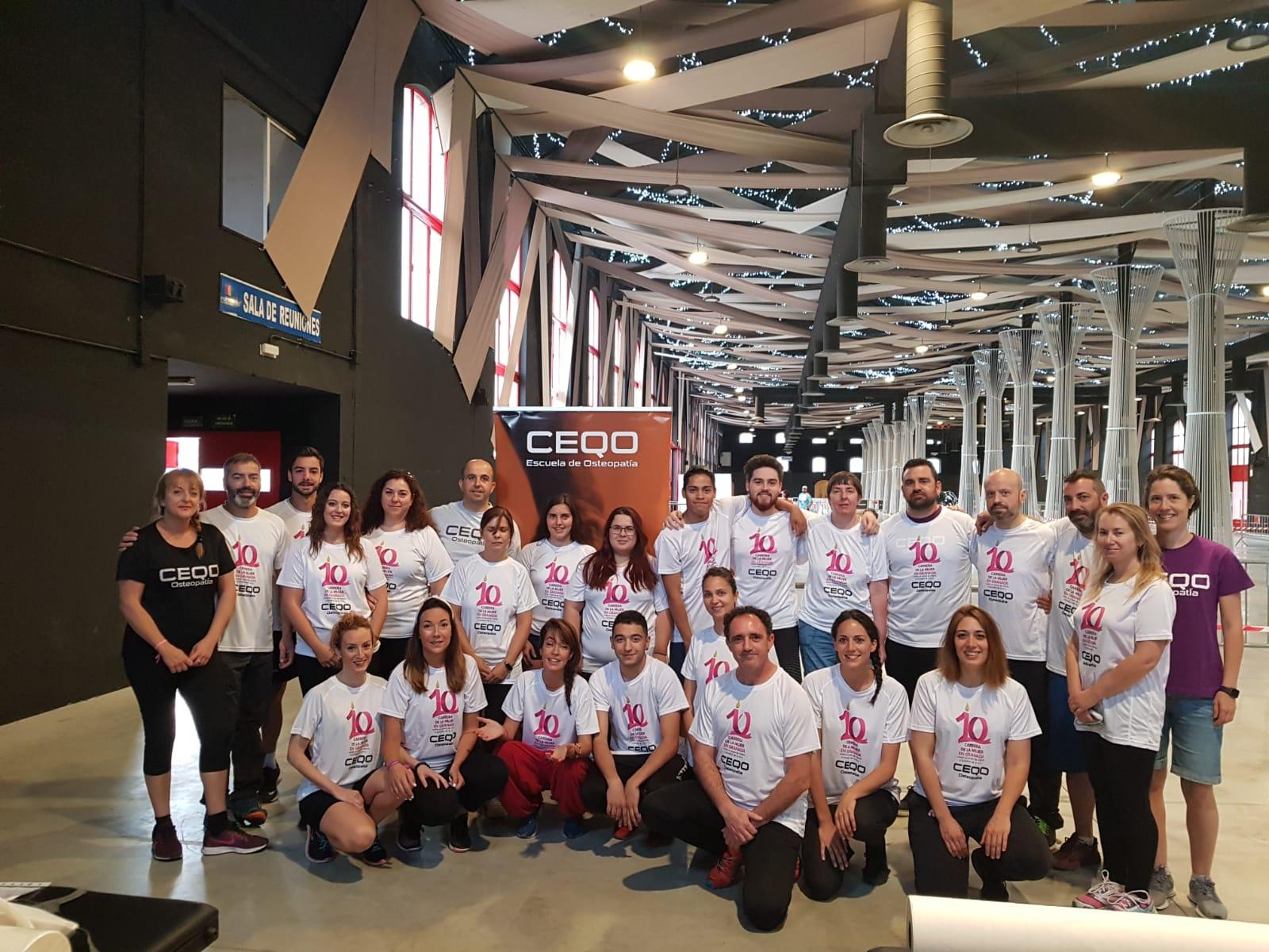 estudiantes de Centro Ceqo participan en la carrera de la Mujer