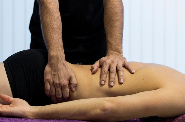 masaje a un hombre